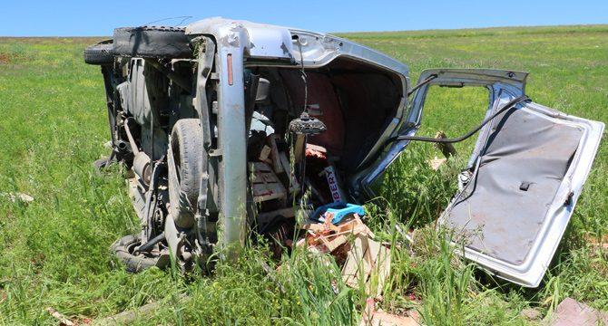 Çilek yüklü araç takla attı: 4 yaralı