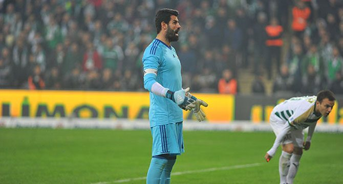 PFDK'dan Volkan Demirel'e 3 maç men ve 26 bin TL
