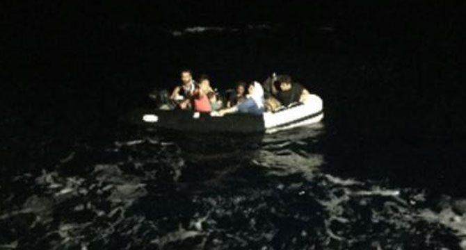 Çeşme ve Selçuk'ta 58 kaçak göçmen yakalandı