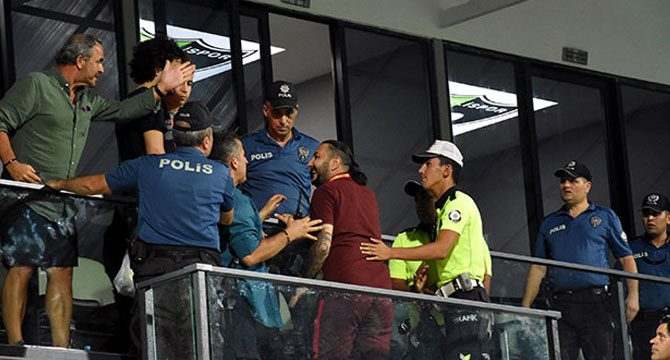 Denizlispor – Galatasaray maçında gerginlik