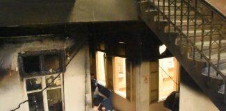 Tarihi handa yangın çıktı, çocukların ders aldığı iki piyano yandı