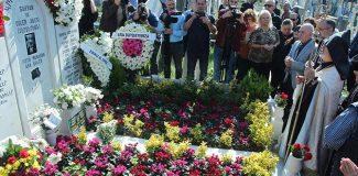 Ara Güler ölümünün birinci yılında mezarı başında anıldı