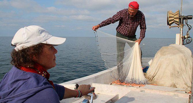Balıkçı çift, 25 yıldır birlikte denize açılıyor