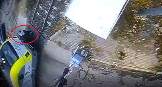 Adıyaman'da, yaşlı kadının öldüğü tren kazası kamerada