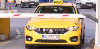 Otogarda taksicilerin tartışma yaratan `park ücreti´ talebi