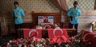 Dolmabahçe Sarayı'nda ziyaretçi rekoru kırıldı