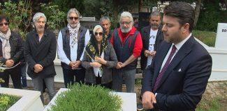 Nejat Uygurölümünün 6'ncı yılında mezarı başında anıldı