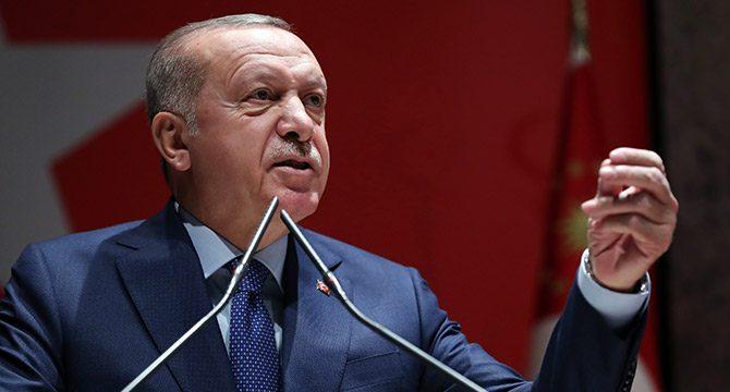 Erdoğan: Edepsizlere parlamentonun gereken cevabı vermesi lazım
