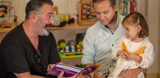 Cem Yılmaz çocuklara kitap okudu
