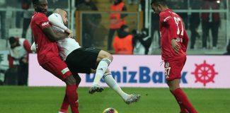 Beşiktaş kendi sahasında yenildi