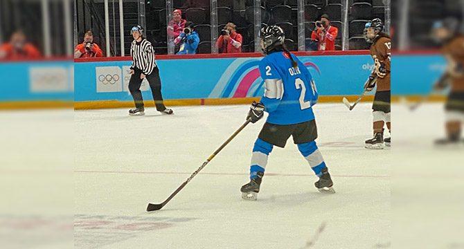 Milli buz hokeyci Sidre Özer, bronz madalya kazandı