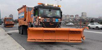 İstanbul'da kar küreme araçları hazır bekliyor