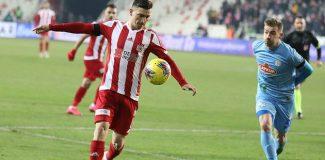 Lider Sivasspor bir puanı son dakikada kurtardı