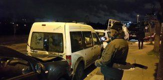 Kontrolden çıkan kamyonet 7 otomobile çarptı: 1'i ağır 3 yaralı