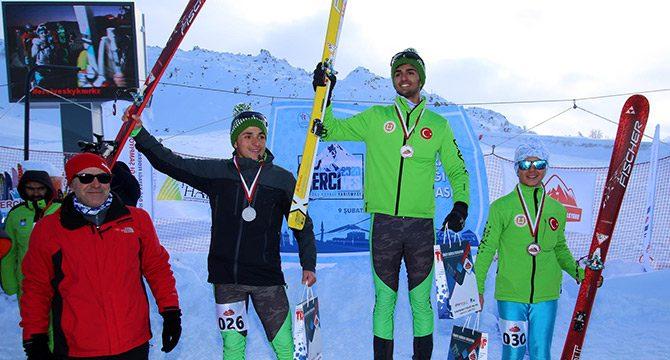 Dağ Kayağı Şampiyonası Erciyes'te yapıldı