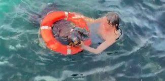 Üsküdar'da denize düşen kadın böyle kurtarıldı