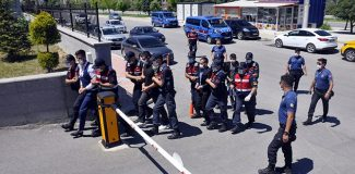 Bayramda 4 kişinin yaralandığı silahla kavgaya 4 tutuklama